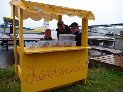 Who wants a Lemonade ? It's good for the fishermens ! :)