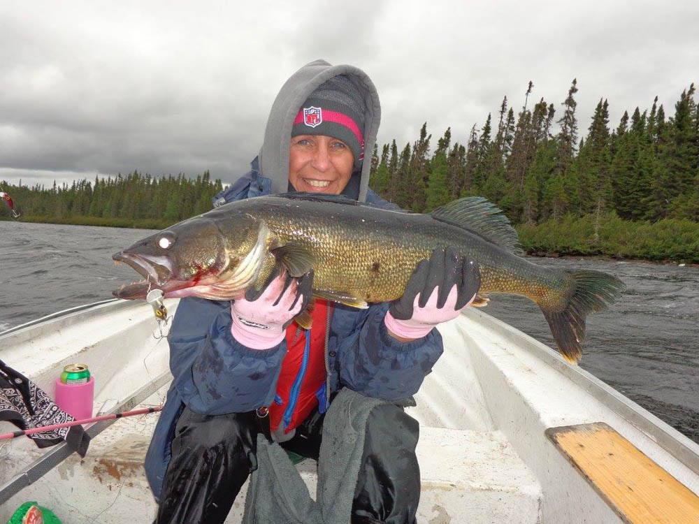 Nadine Beaulieu 8lbs walleye lake Impossible