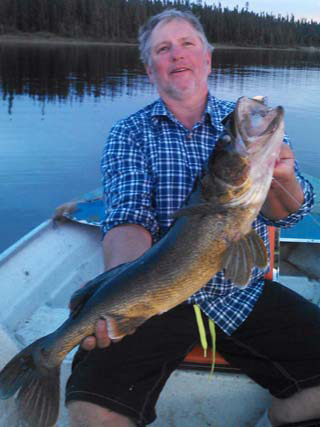 Keith Ashley on Gouin 1 Big Walleye trophy
